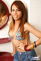 Drop dead gorgeous ladyboy