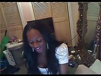 Ebony Tgirl shows her ass on webcam