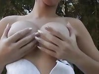 This TS bride needs immediate sex