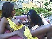 Chocolate tranny pounds hirl with her massive dick