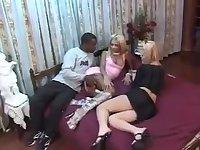 Tranny fucks a guy in interracial threesome