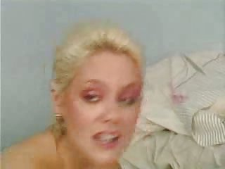 Vintage Hermaphrodite sucked by girl