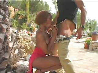 Ebony big dick t-girl humours chap outdoors