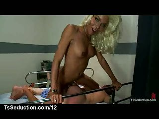 Blonde ebony tranny fucks a bound guy in hospital