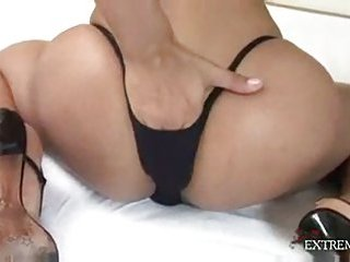 Amateur pretty shemale wanking