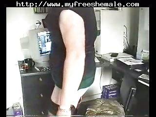 Homemade crossdresser spanks himself