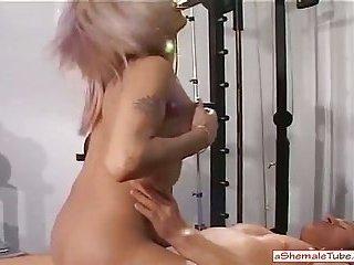 Hot blonde fucks and get fucked in fitnes studio