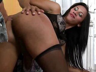 Lingeried tranny shows her sucking skills