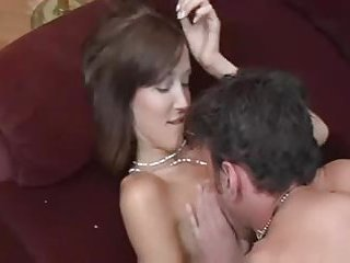 Amateur tranny gets her ass hole penetrated