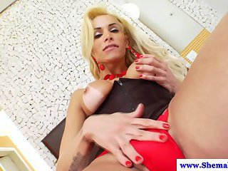 Tattooed shemale tranny wanks her cock